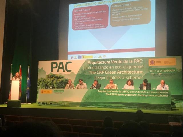 """LIFE AgriAdapt stellt im Kongress """"The CAP Green Architecture: deepening into eco-schemes"""" allgemeine Empfehlungen und nachhaltige Anpassungsmaßnahmen an den Klimawandel vor."""